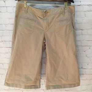 Old Navy wide leg capris size 14 Capri pants tan